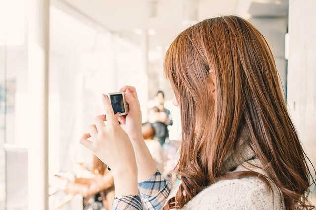 半目写真を防ぐ4つの方法