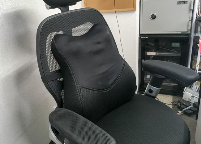 会社の椅子の写真